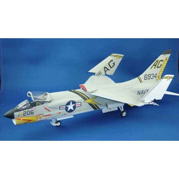 Decal F-8 Crusader scala 1/72 esci