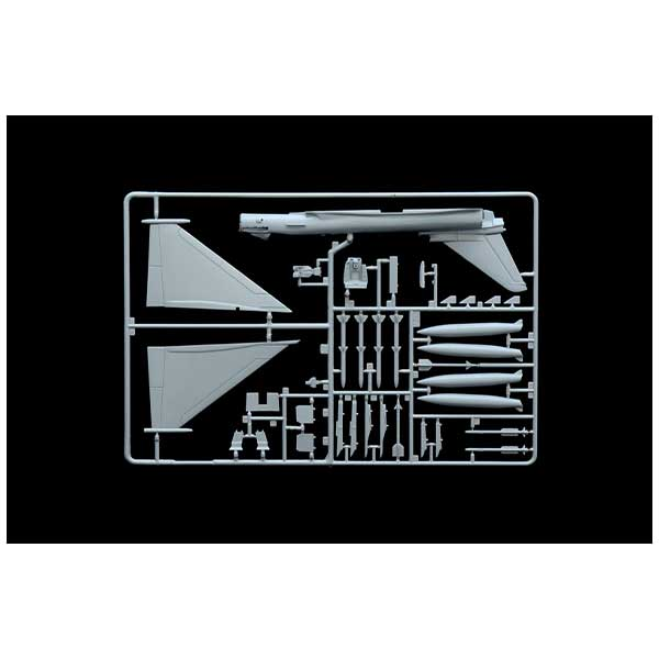 e-f-2000-typhoon-italeri-2