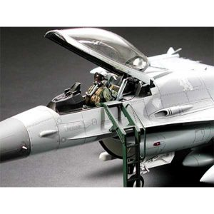 f-16-fighting-falcon-1-32-tamiya-TA60315-10