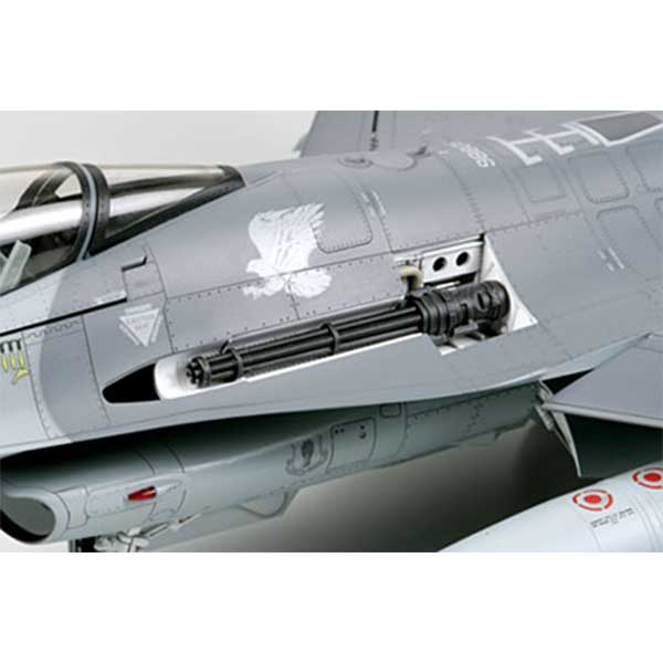f-16-fighting-falcon-1-32-tamiya-TA60315-11