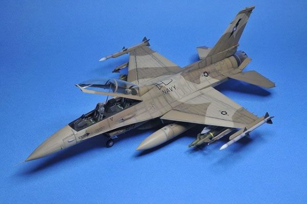 f-16 fighting falcon kinetic scala 1/48