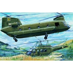 "CH-47A ""CHINOOK"" TRUMPETER SCALA 1/35"
