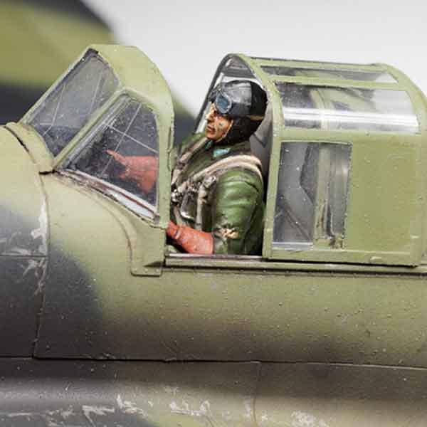 IL-2 Shturmovik Aereo D'Attacco Sovietico Zvedza Scala 1:48